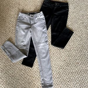 2 Pair Tommy Hilfiger Jeans